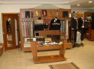 Мебели за обзавеждане на магазини